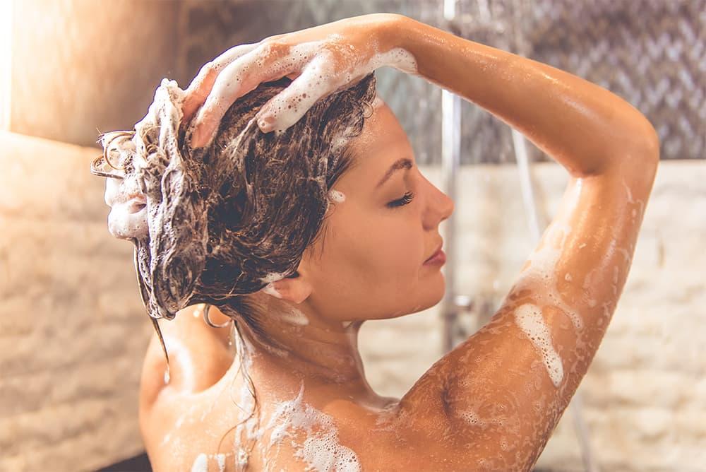 5 najlepszych szamponów odżywczych dla włosów cienkich